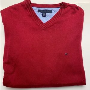 Tommy Hilfiger Sweater in Cranberry Color